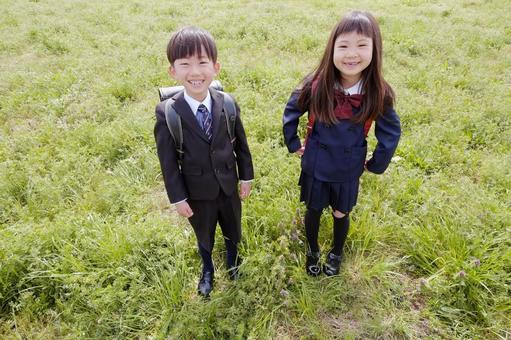 小学男生和女生33