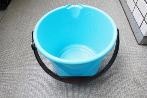 Poly bucket ①