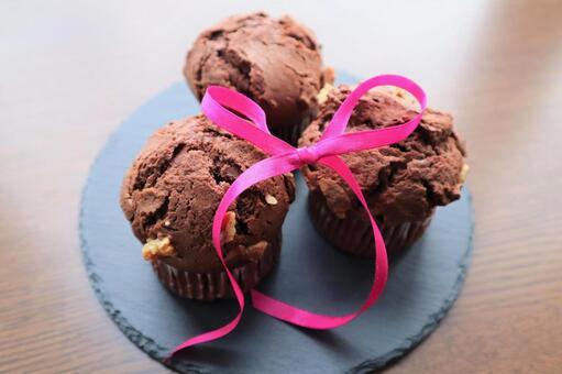 Chocolate muffin ribbon