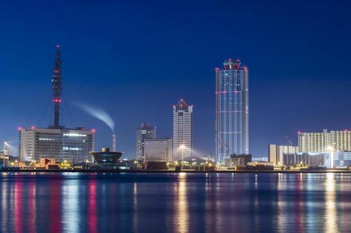오사카 남항의 새벽