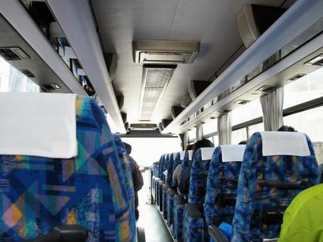 穿梭巴士內[車輛/人]