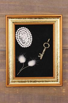 Antique style picture frame 3