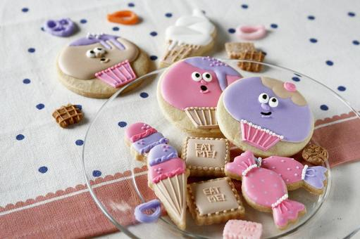 Icing cookie (sweets)