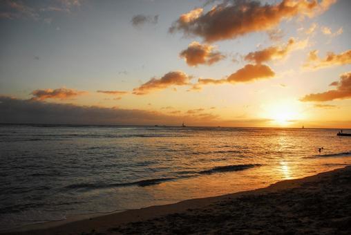 Sunset in Hawaii (sea)