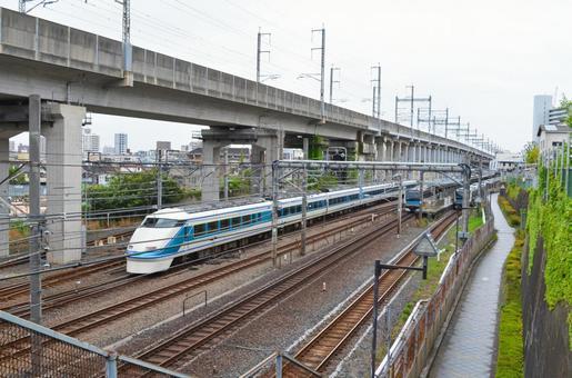 JR 가미 나카 자토 역 부근 경관 게이 힌 도호쿠 선 및 도부 스페이시 100 계 도쿄도 키타 구 니시가하라에서