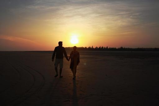 印度海岸和男性和女性