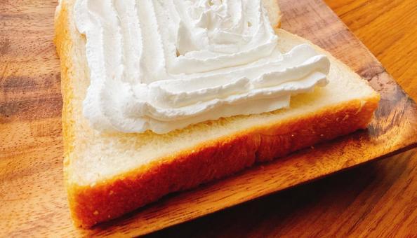 Whipped cream bread 2
