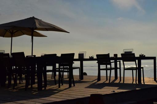 해안의 카페