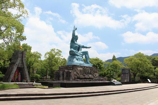長崎縣長崎市和平紀念雕像008