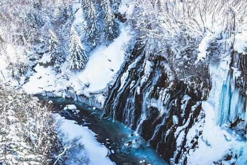 Blue River 겨울의 흰 수염 폭포