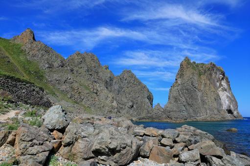 積丹町 島武意海岸の切り立った岩