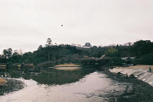 흐린 날의 히코 정원
