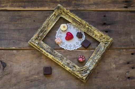 Valentine chocolate_gold picture frame