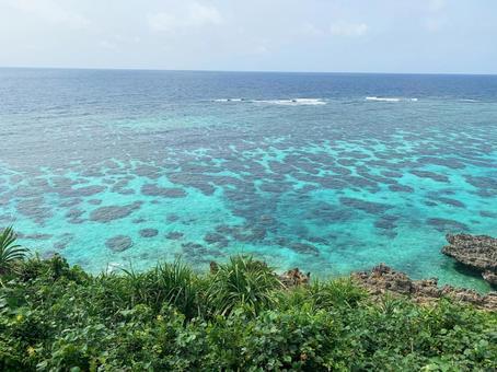 오키나와 미야코 섬 인갸 다리의 전망대에서 내려다 본