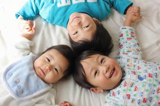 3兄弟 04