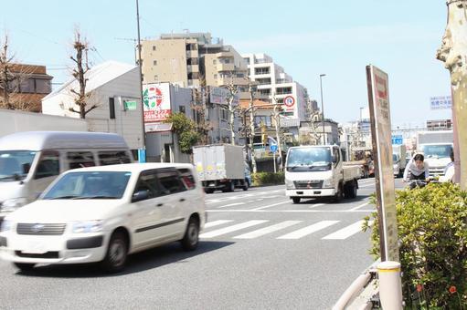 High traffic volume roads