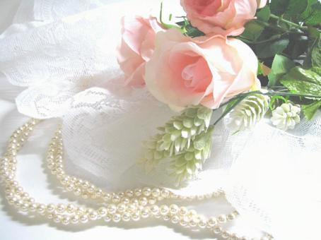 Rose and pearl necklace 5