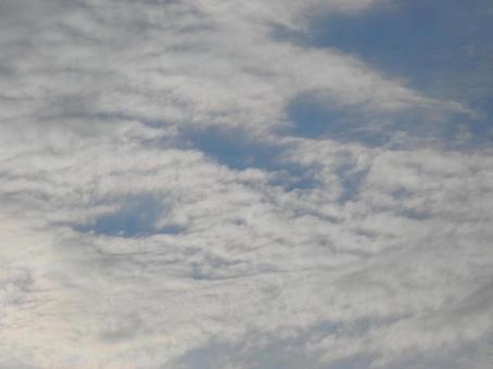 Cloudy blue sky_16