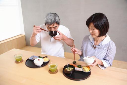 老年夫婦5吃