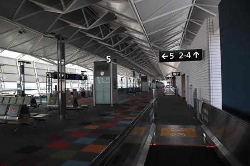 공항 에스컬레이터