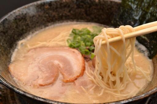 Pork bone ramen (noodle up ver)