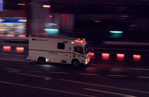 Emergency driving at night (2)