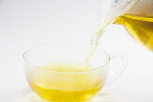 Pour herbal tea