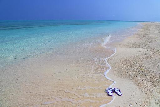구메 지마의 맑고 푸른 바다