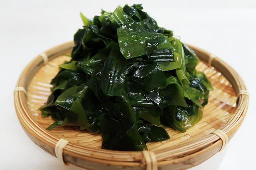 Raw seaweed (boiled)
