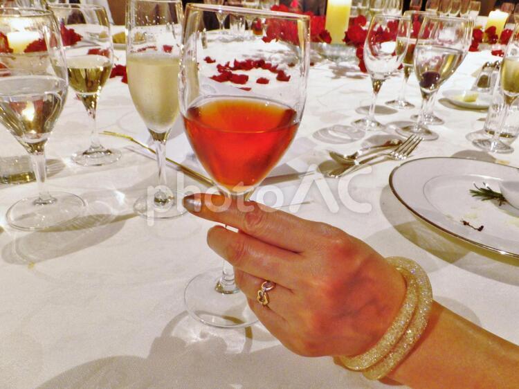 フランス料理 正餐55 ロゼワイン1の写真