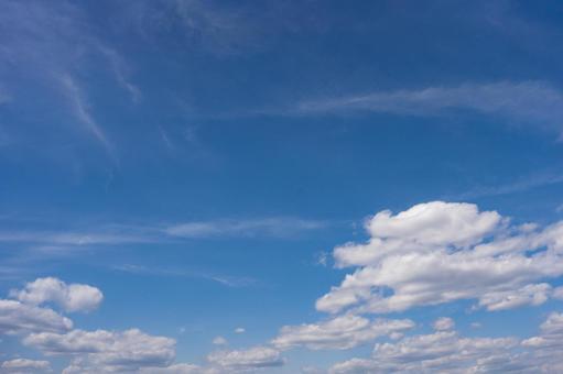 푸른 하늘과 흰 구름의 배경