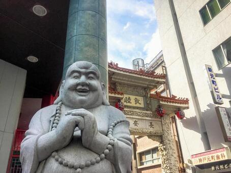 Mr. Hotei of Nankin-cho, Kobe