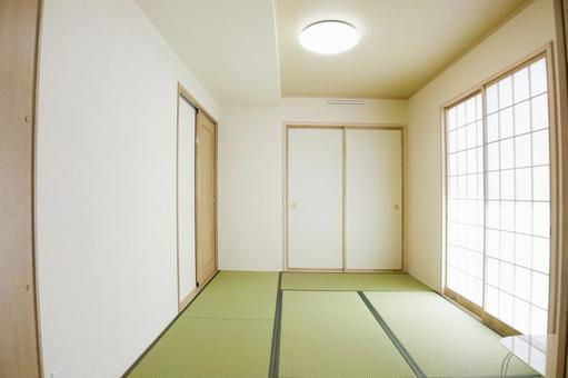 Bright Japanese-style room 2