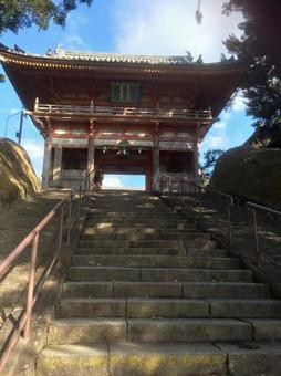 Daocheng Temple Gate