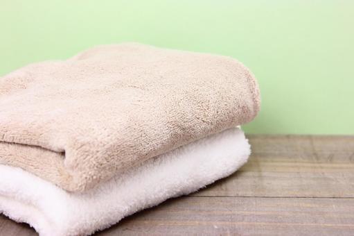 Towel loaded on shelf 7