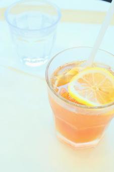 Iced tea with lemon at the cafe