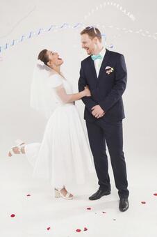 新娘和新郎1接收饼干