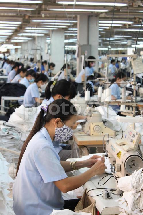 ベトナムの働く女性1の写真