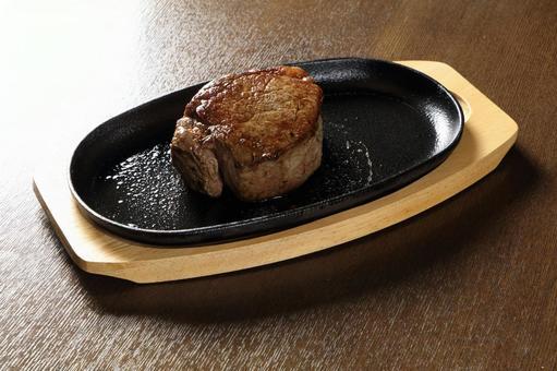 Beef tenderloin steak iron plate (200g)