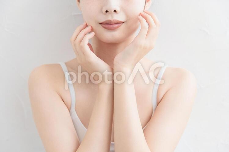アラサー女性・スキンケア・美容の写真