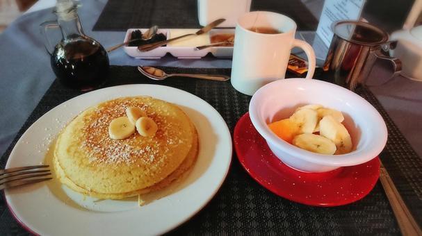酒店早餐香蕉煎餅