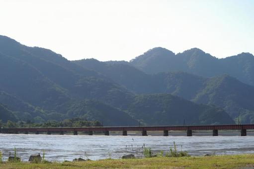 철교와 강