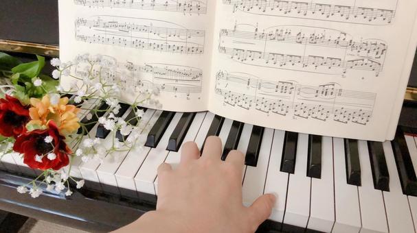 Sheet music Piano flower Fashionable