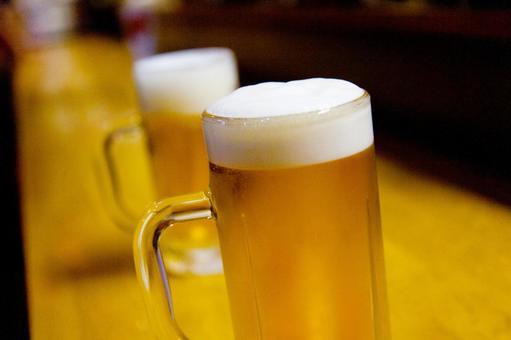 Cold bearded mug draft beer 6