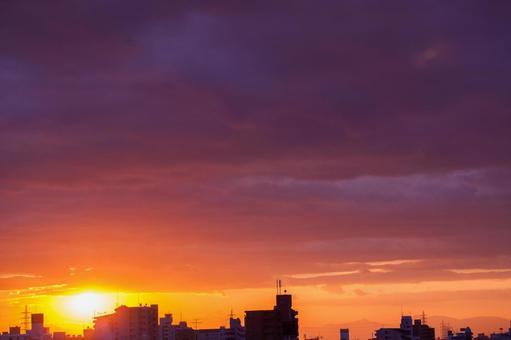 Sun and cityscape 3