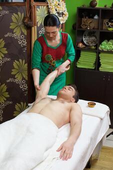 Hand massage 12