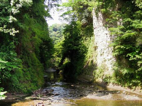 Hirobum Cave (tunnel ruins) Yoro valley