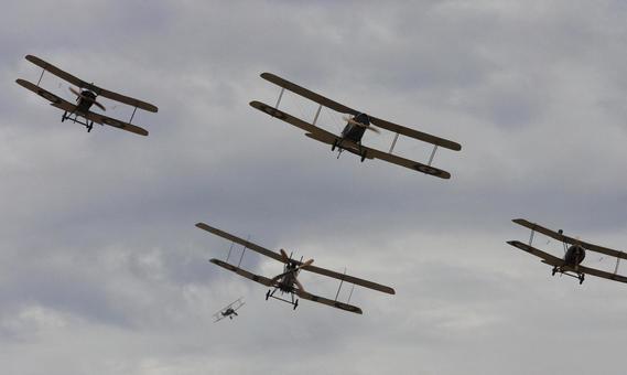 Biplane formation flight