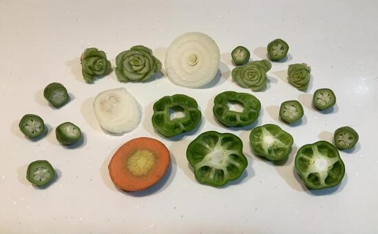 Stamp play using the cross section of vegetables!