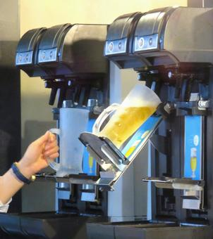 Automatic beer server